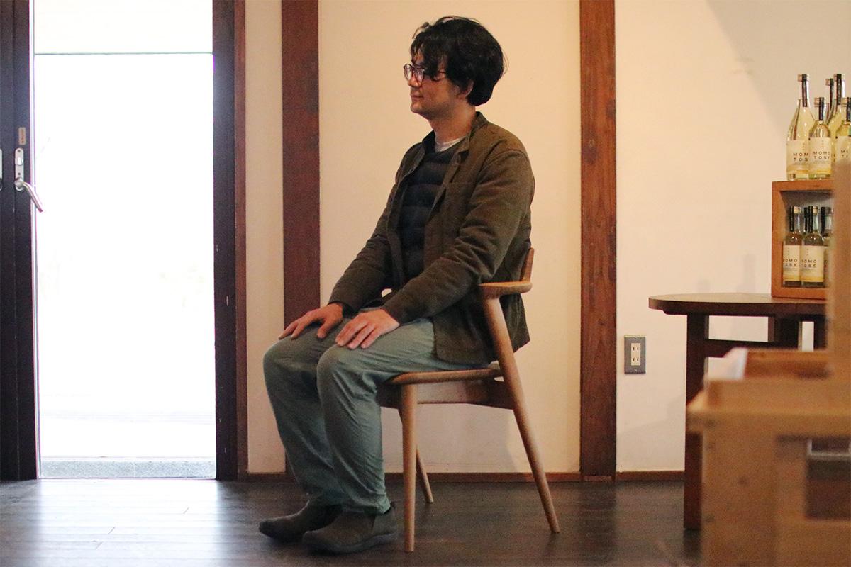 北軽井沢の広葉樹材を飛騨の匠が家具に加工